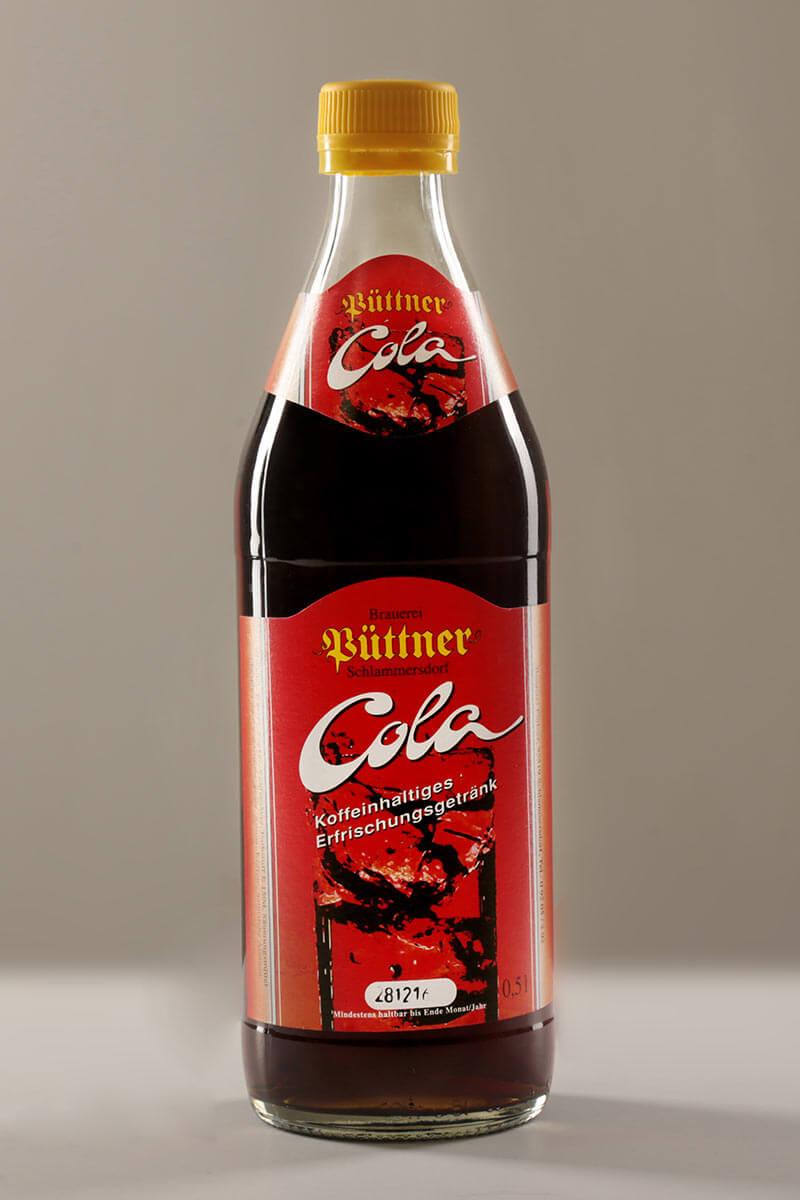 Cola der Püttner Bräu, abgefüllt in Glasflaschen